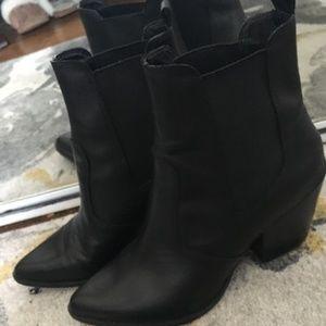 Steve Madden Point Black Boots